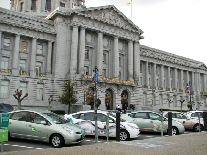Charging_stations_in_SF_City_Hall_02_2009_01
